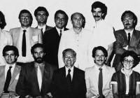 Nell'agosto 198 0 Giorgio Lavagnoli organizzò un altro gruppo di colleghi italiani che andarono a frequentare un Corso estivo di perfezionamento presso la Boston University della durata di due settimane. Tra gli altri, si riconoscono (il primo in piedi a sinistra) il Dr. Marzio Lenzi di Milano e (seduti da sinistra) il Dr. Vincenzo Trincia di Roma, il Dr. Carlo Zuffetti di Milano, il Prof. Schilder, il Dr. Arnaldo Castellucci.