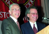 Il Dean della Boston University Spencer Frankl dà il benvenuto alla cena di gala e si congratula con il Prof. Herbert Schilder, Chairman del reparto di Endodonzia e Dean della Continuing Education.